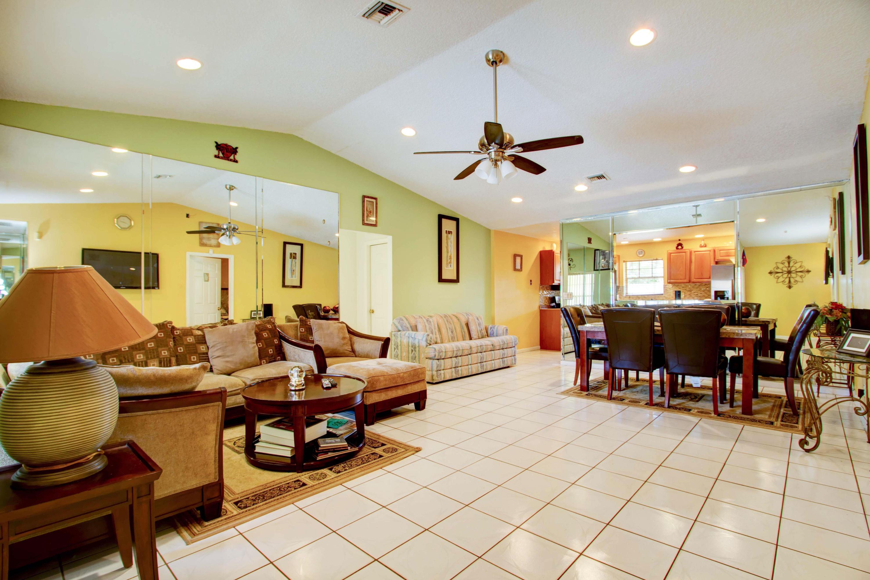 5878 Lincoln Circle Lake Worth, FL 33463 photo 3