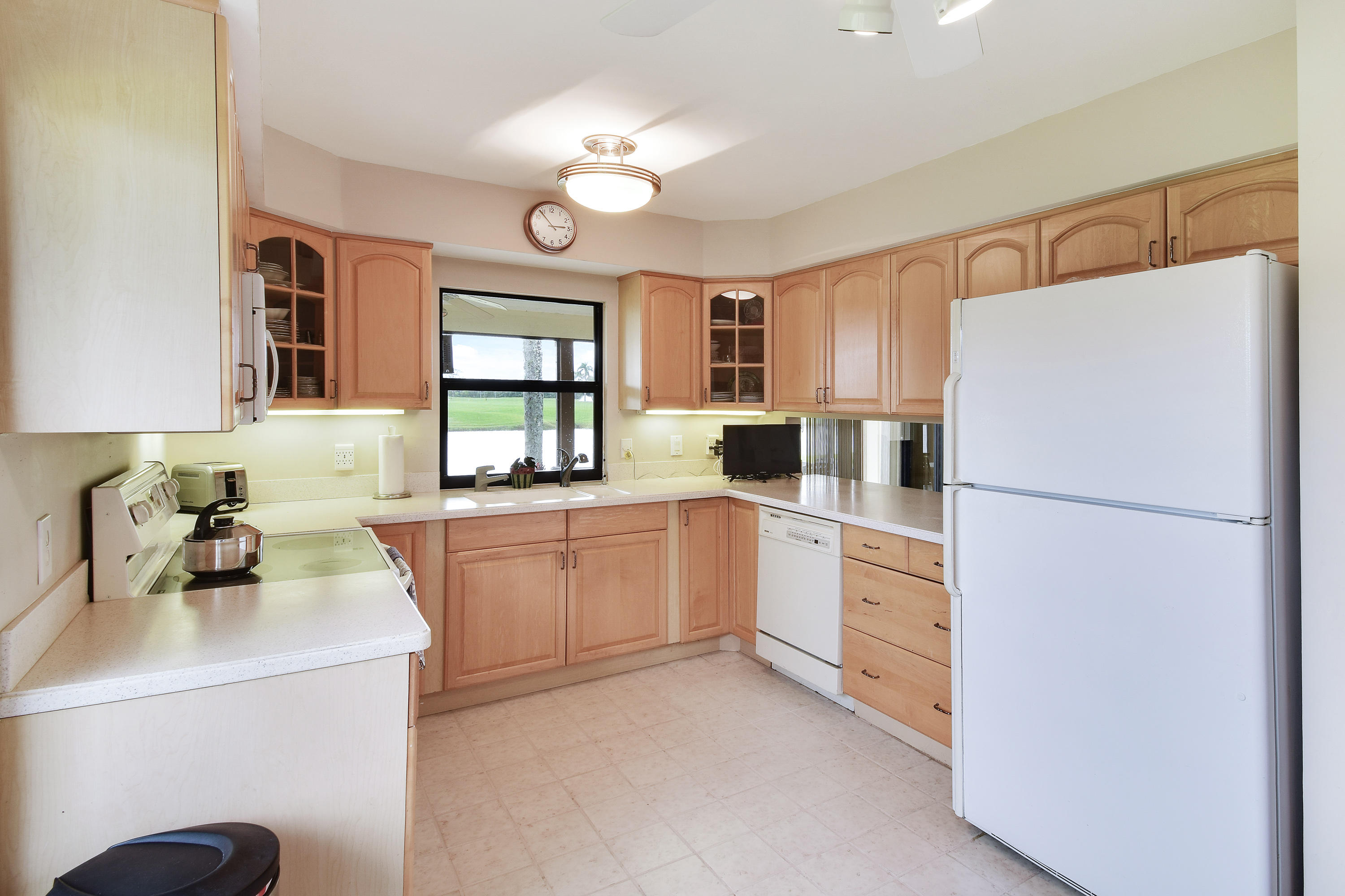 13445 Cross Pointe Drive, Palm Beach Gardens, Florida 33418, 3 Bedrooms Bedrooms, ,2 BathroomsBathrooms,A,Townhouse,Cross Pointe,RX-10502096