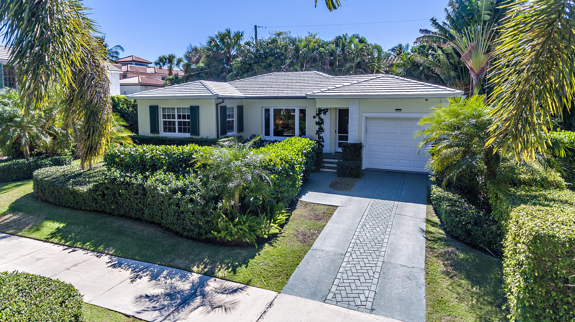194 Monceaux Road West Palm Beach, FL 33405