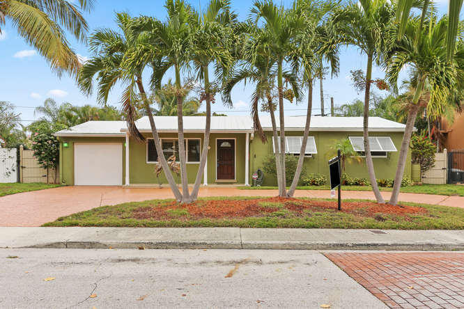 145 Gregory Place West Palm Beach, FL 33405 photo 2