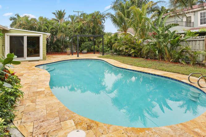145 Gregory Place West Palm Beach, FL 33405 photo 1