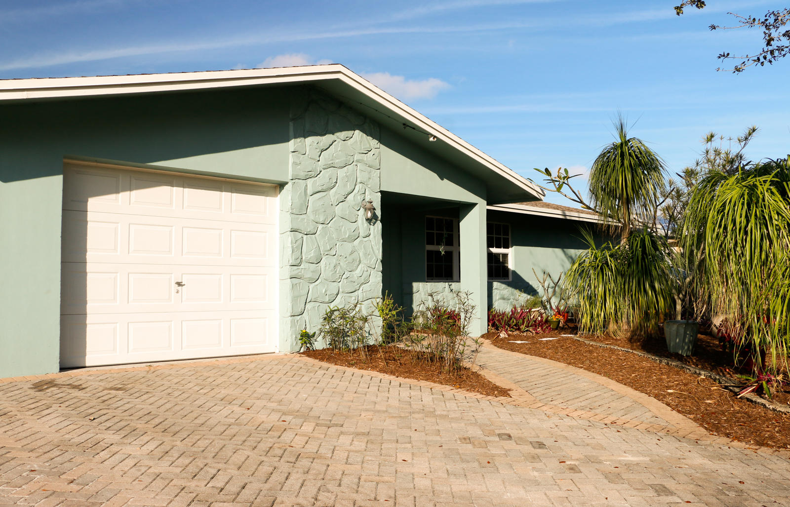 PALM BEACH GARDENS 6 REAL ESTATE