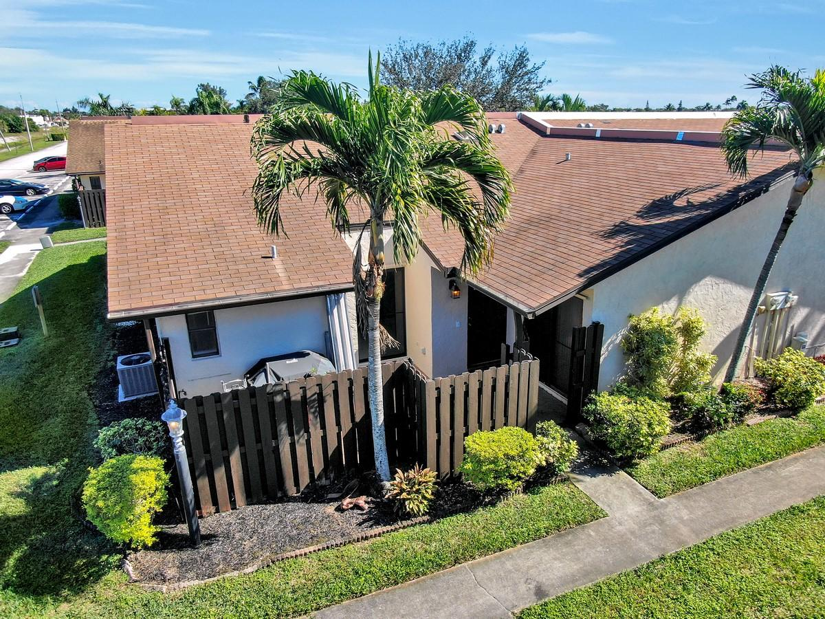 1602 W Waterview Circle Palm Springs, FL 33461 photo 24