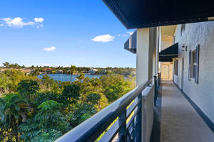 Delray Harbor Club Condo