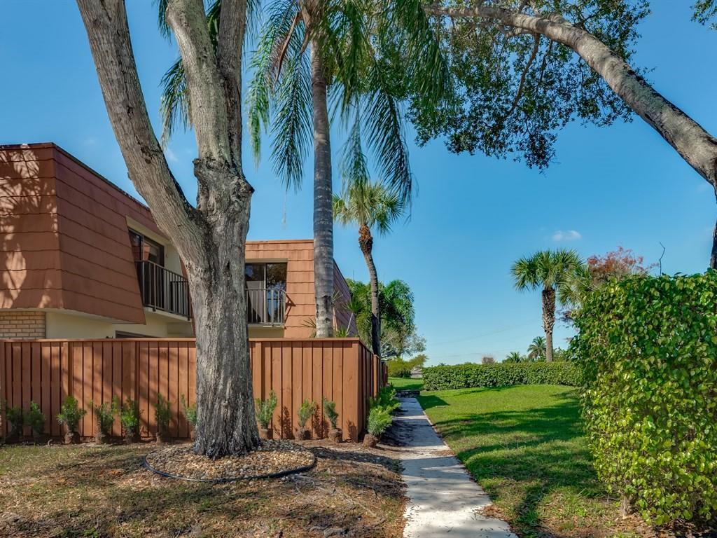 730 Buttonwood Lane Bldg 408 Boynton Beach, FL 33436