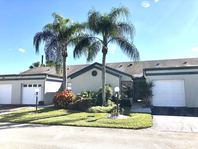 4548 Bangor Avenue 14 West Palm Beach, FL 33417