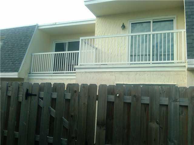 Photo of home for sale at 508 1st Street SW, Boynton Beach FL