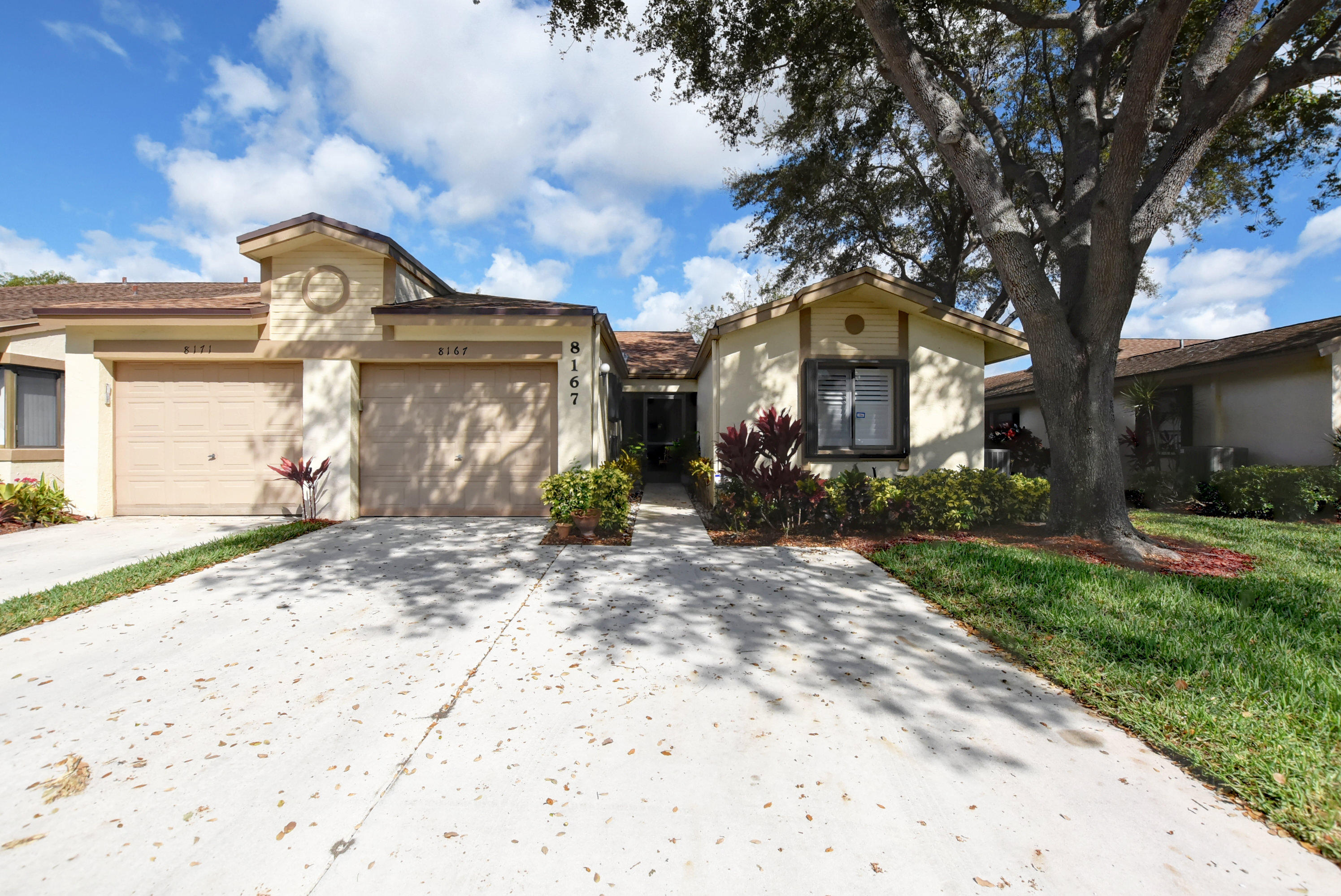 Photo of home for sale at 8167 Whispering Palm Drive, Boca Raton FL