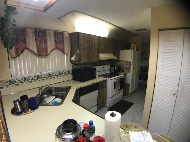5564 Barnstead Circle Lake Worth, FL 33463 photo 13