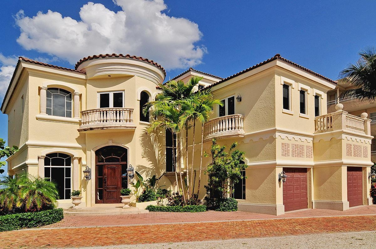 Photo of home for sale at 2633 Ocean S, Highland Beach FL