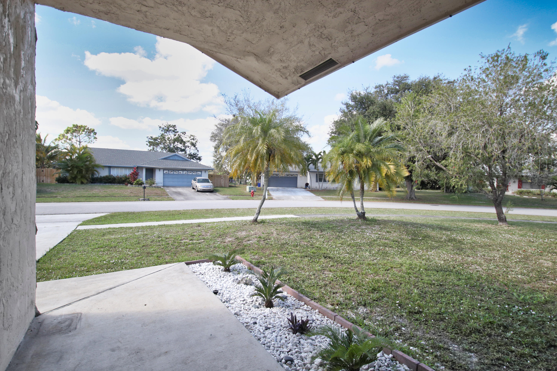 153 Granada Street Royal Palm Beach, FL 33411 photo 4