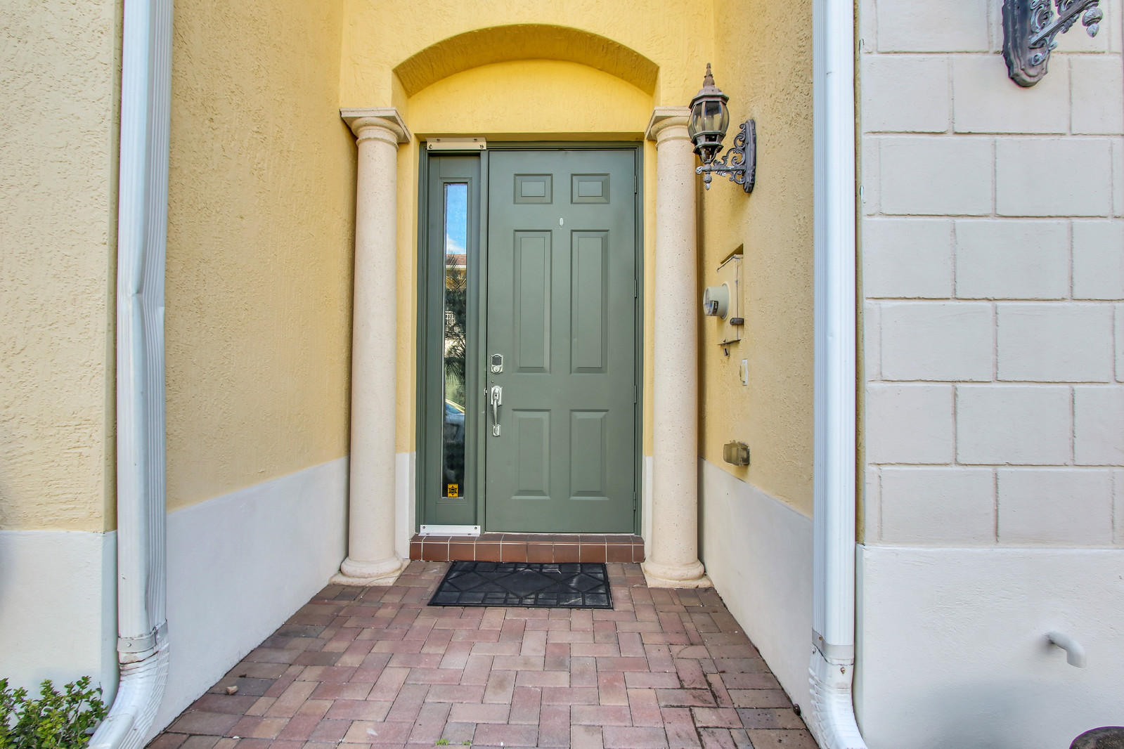 114 Via Aurelia Royal Palm Beach, FL 33411 photo 2
