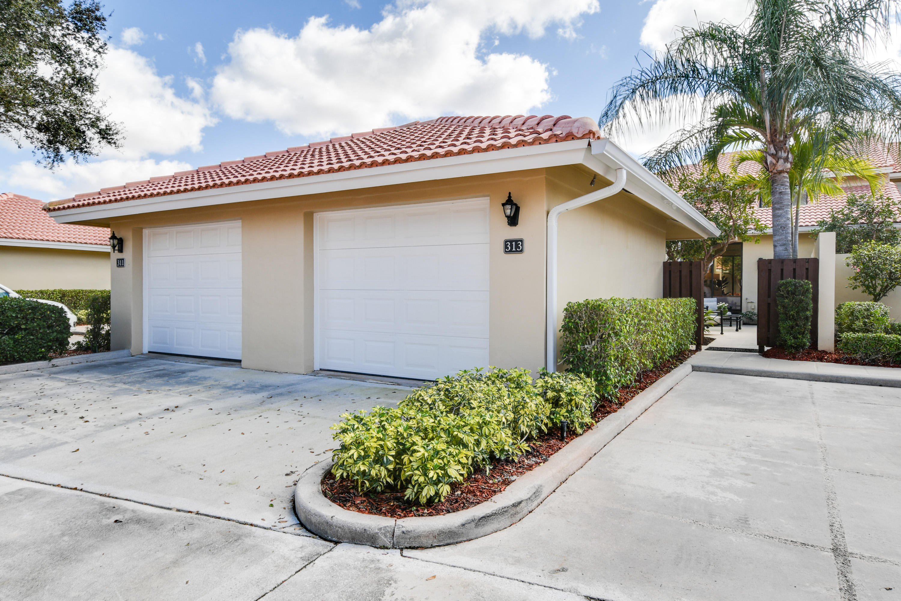 313 Old Meadow Way 313, Palm Beach Gardens, Florida 33418, 2 Bedrooms Bedrooms, ,2 BathroomsBathrooms,A,Townhouse,Old Meadow,RX-10502361