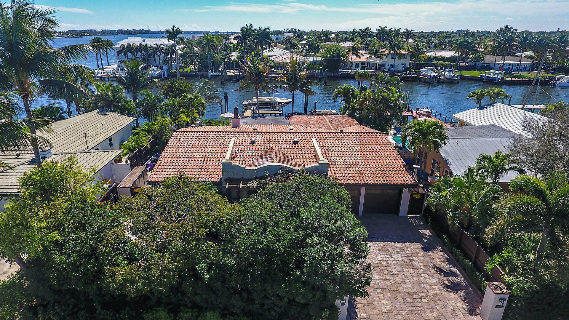 Home for sale in Direct Intracoastal West Palm Beach Florida