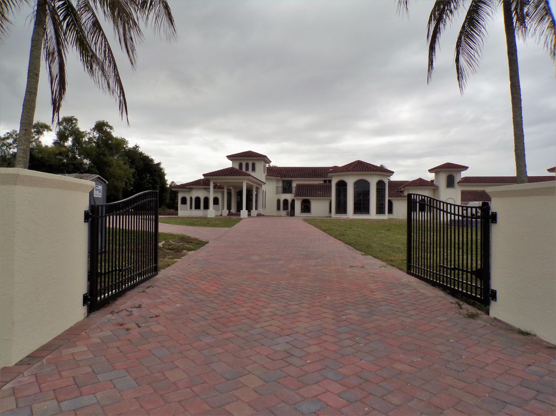 10178 El Paraiso Place  Delray Beach, FL 33446