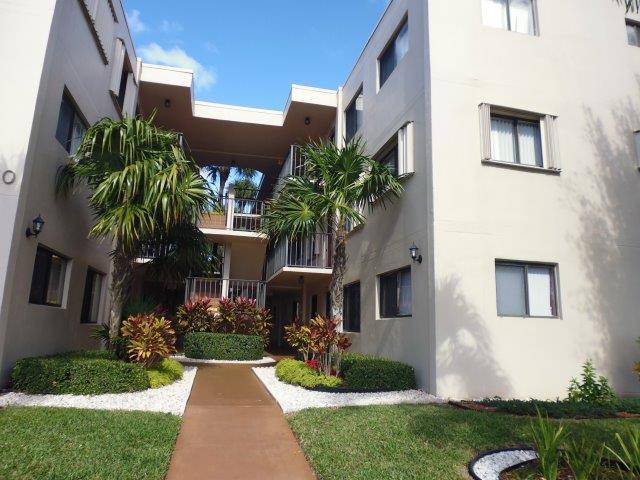 5250 Las Verdes Circle 218  Delray Beach, FL 33484