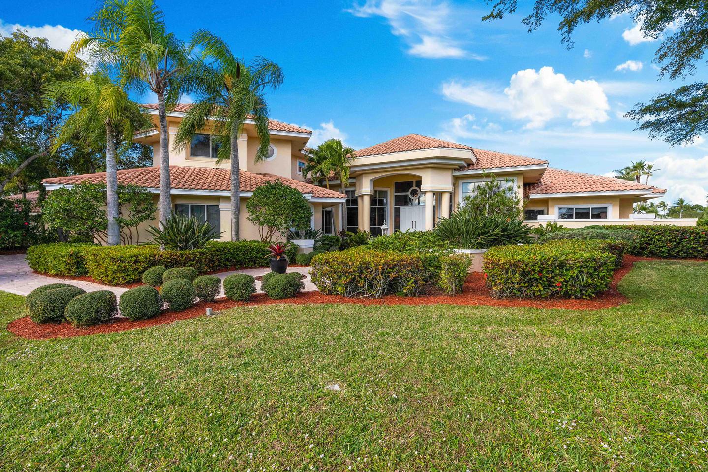 Photo of 97 Sandbourne Lane, Palm Beach Gardens, FL 33418
