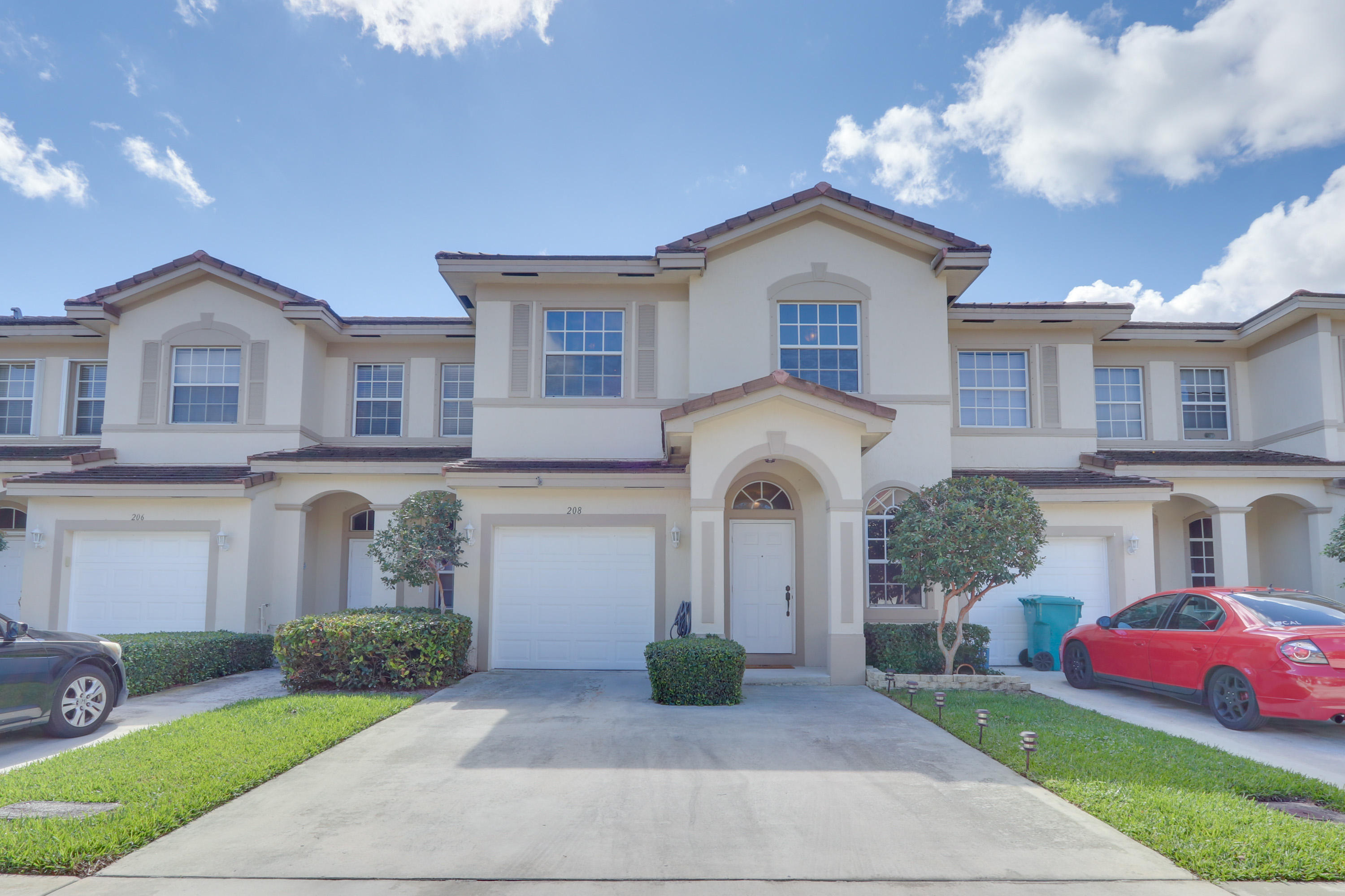 208 Elm Way Boynton Beach, FL 33426