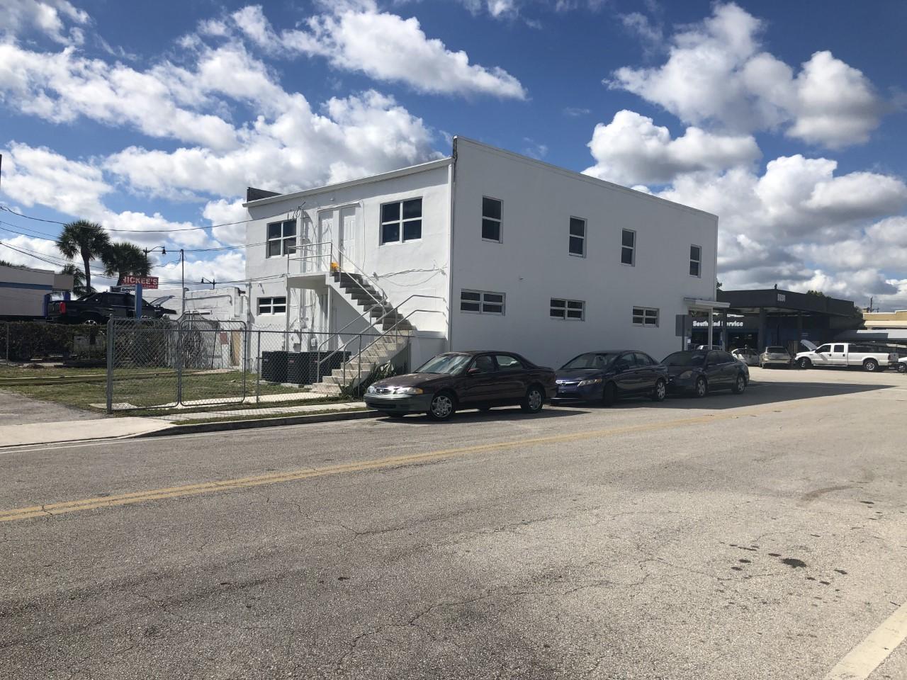 5200 S Dixie Highway West Palm Beach, FL 33405