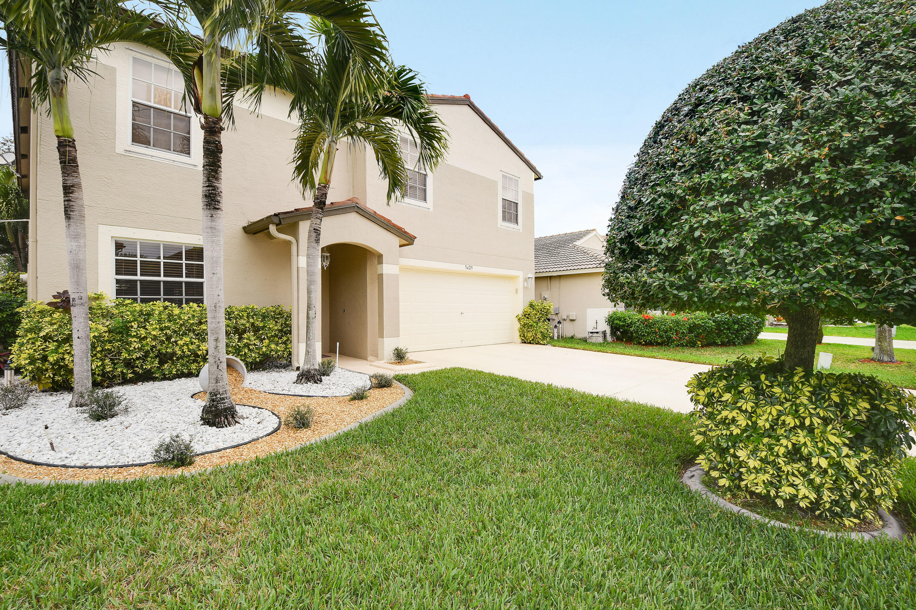 5429 Meadows Edge Drive Lake Worth, FL 33463