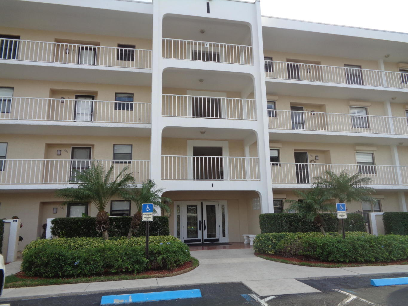 300 N A1a I302 , Jupiter FL 33477 is listed for sale as MLS Listing RX-10504489 28 photos