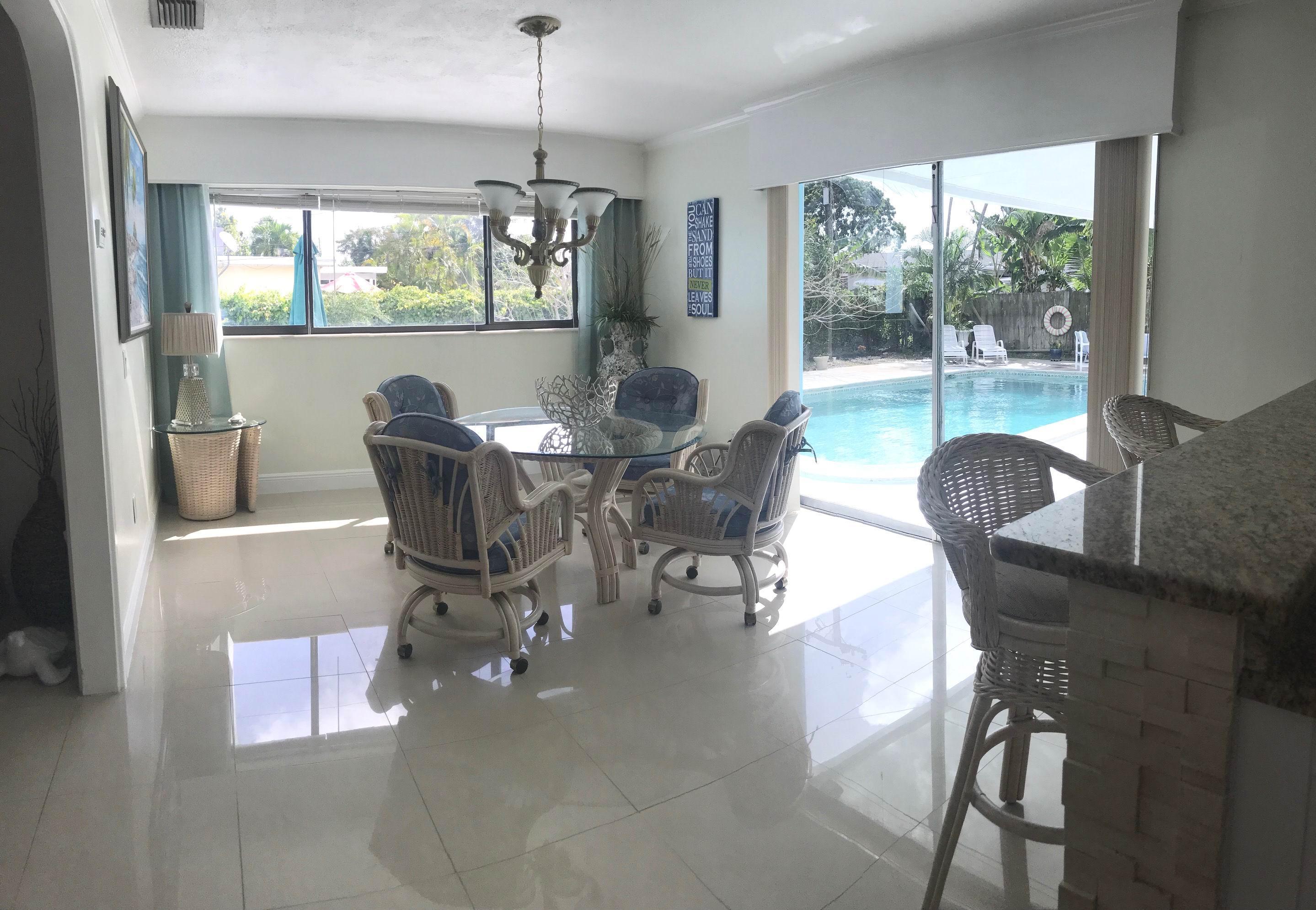 2736 Bahia Road West Palm Beach, FL 33406