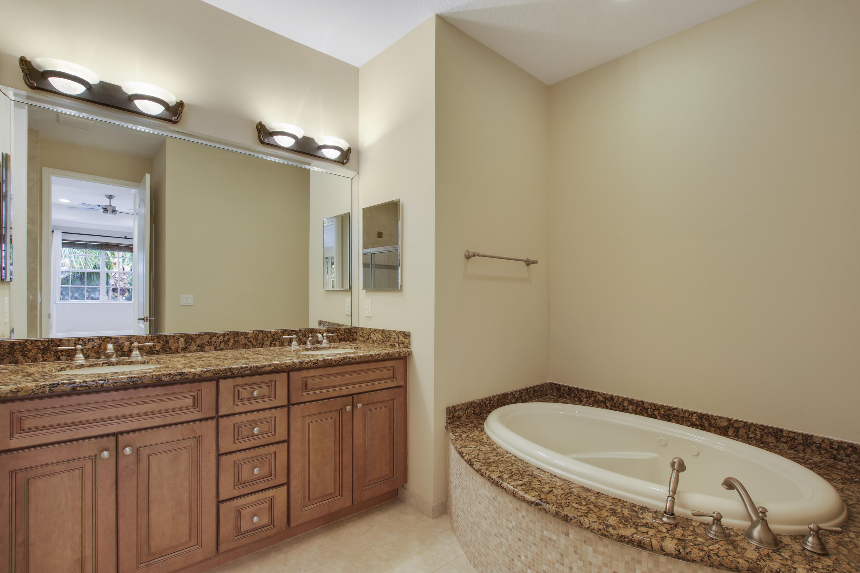 CIELO TOWNHOMES AT SHOPS OF DONALD ROSS  LT 3 BLK D7
