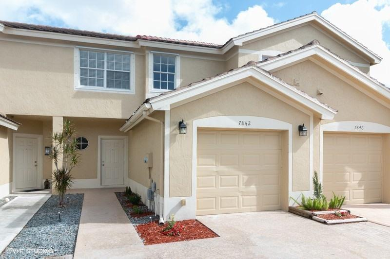 7842 SW Sienna Springs Drive Drive 7842 Lake Worth, FL 33463