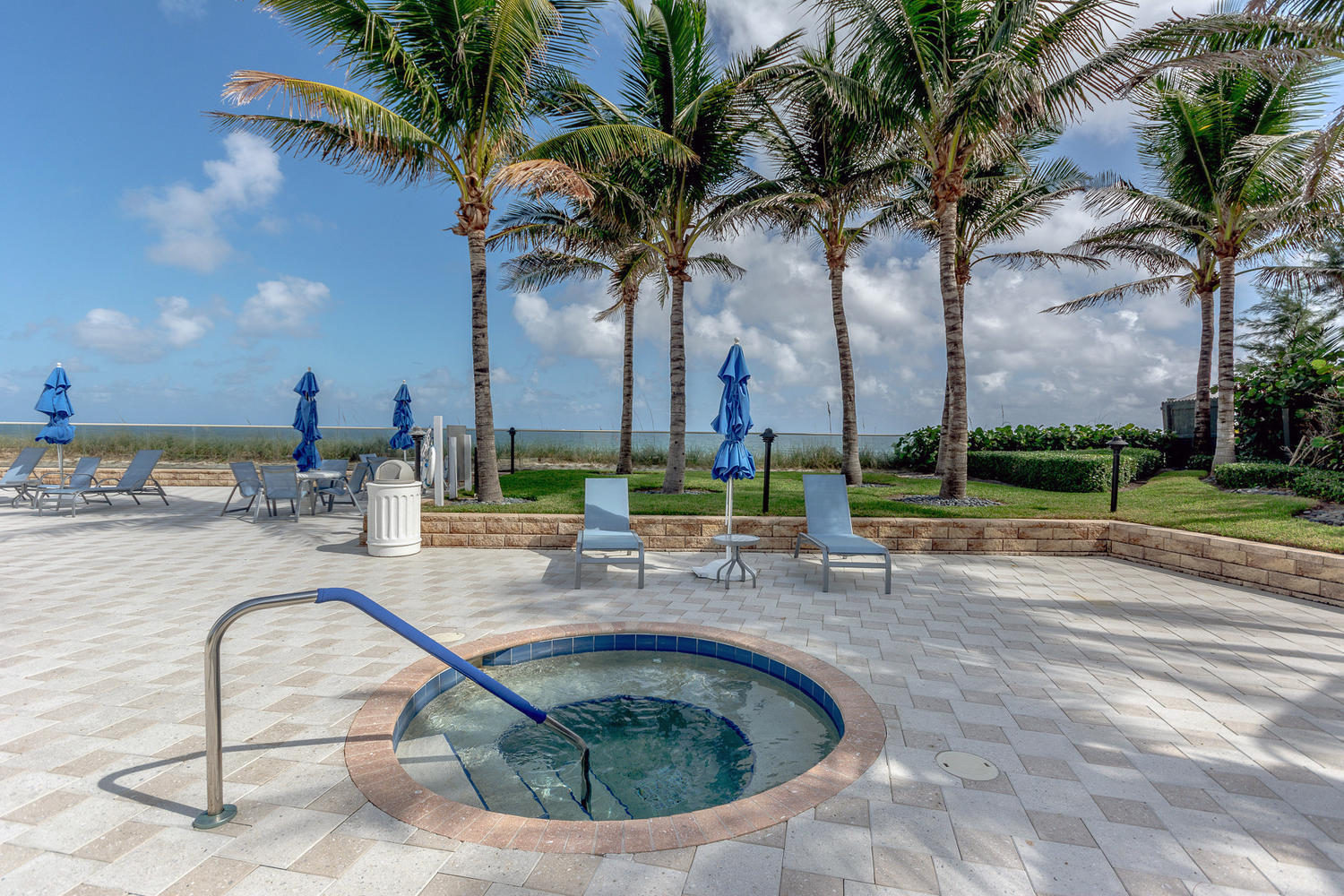 CORNICHE SINGER ISLAND REAL ESTATE