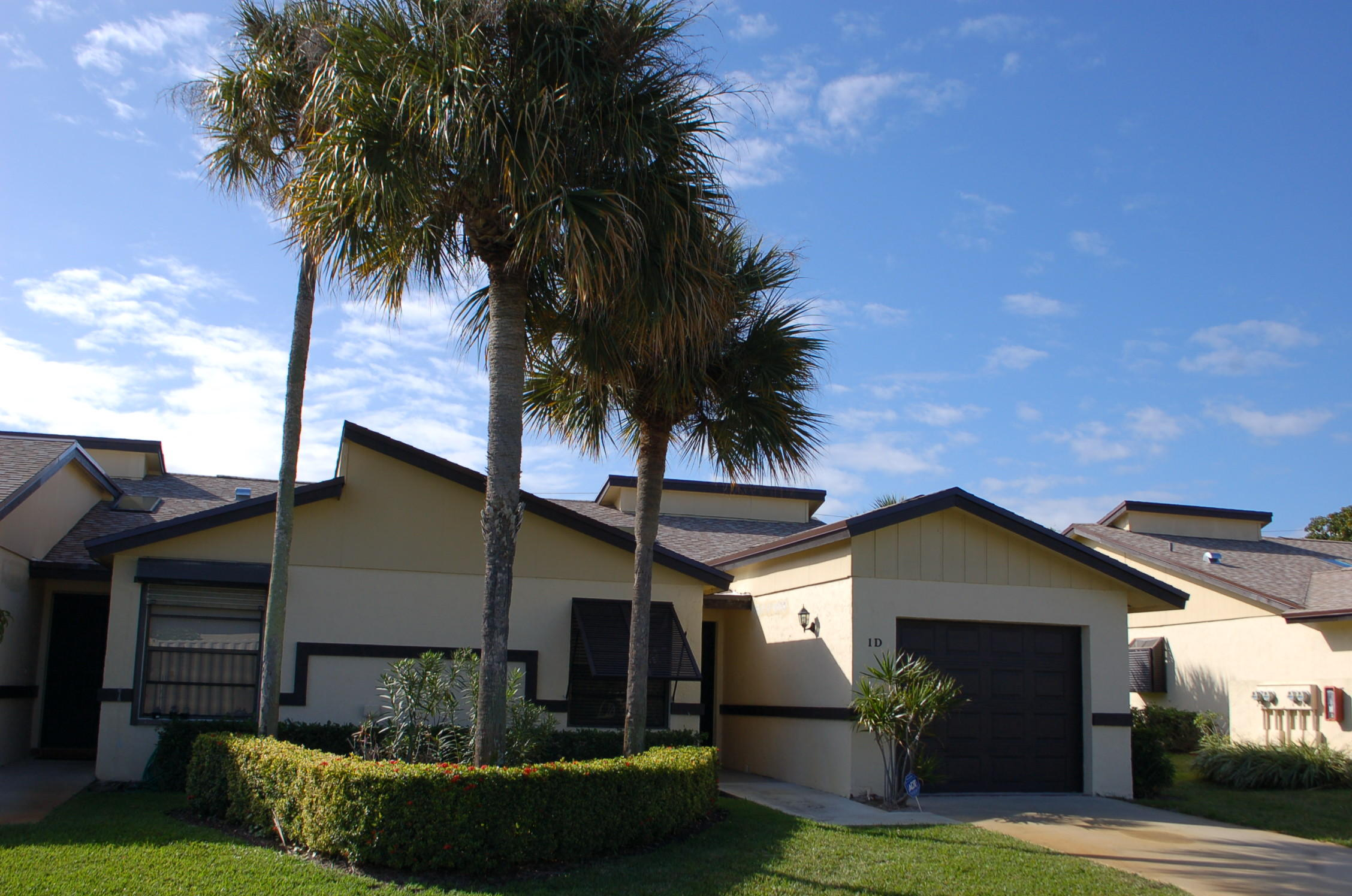 1 Ridgepointe Drive D Boynton Beach, FL 33435
