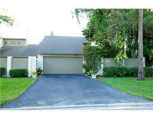 Home for sale in HIDDEN PINES OF WELLINGTON Wellington Florida