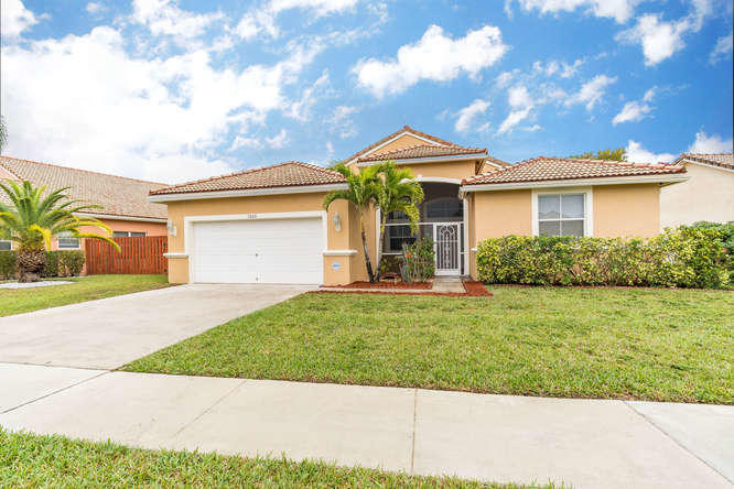 9205 Cove Point Circle Boynton Beach, FL 33472