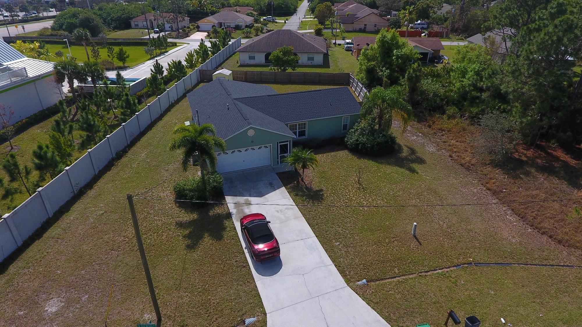 900 SW Dubois Avenue - Port St Lucie, Florida