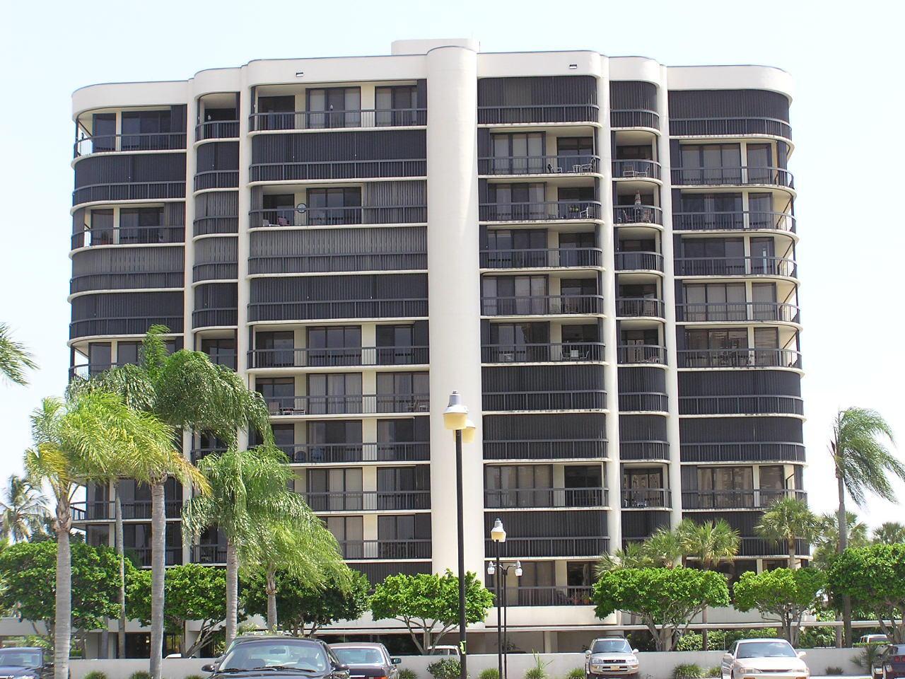 Photo of 2427 Presidential Way #204, West Palm Beach, FL 33401