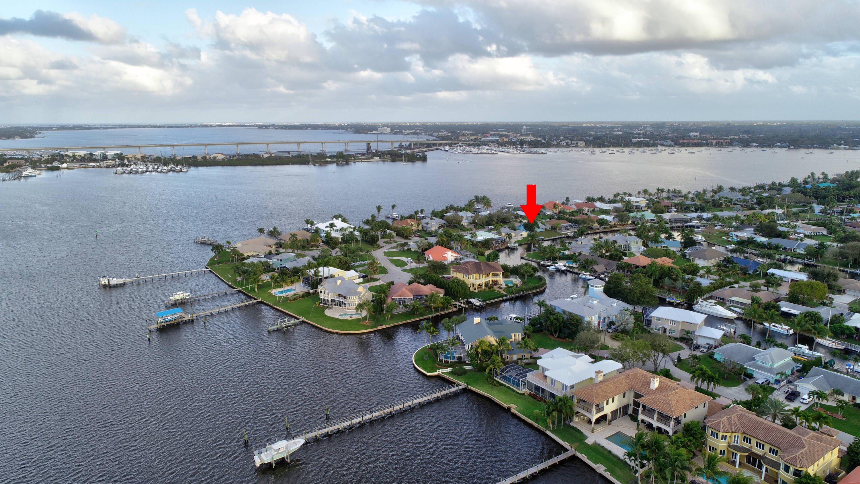 LIGHTHOUSE POINT REALTY