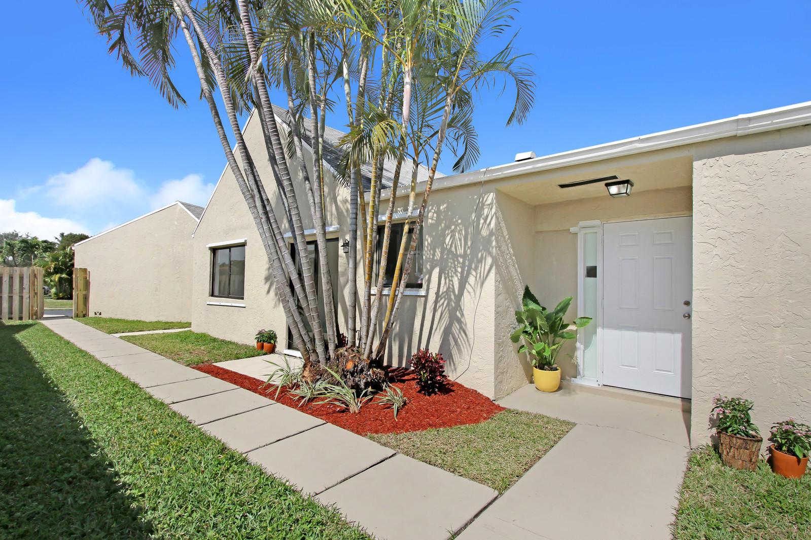 2127 NW 12th Street  Delray Beach, FL 33445