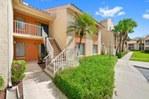 1400 The Pointe Drive West Palm Beach, FL 33409