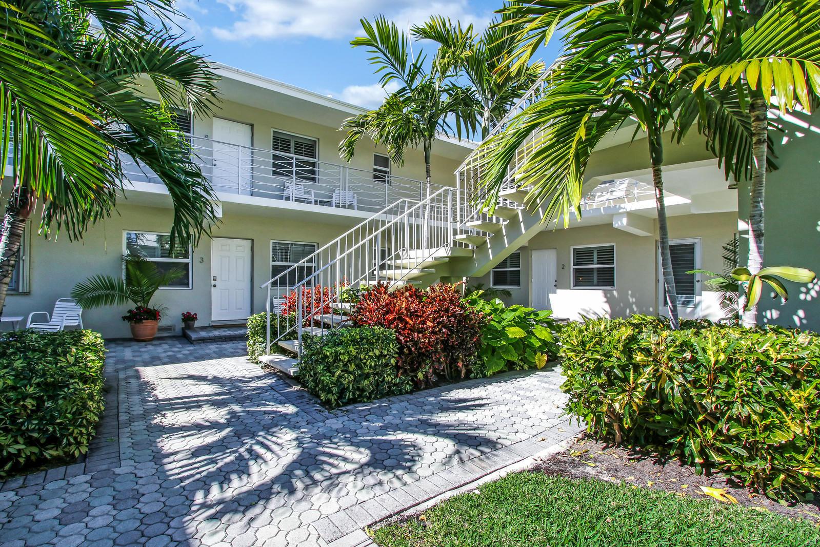 100 Venetian Drive 2  Delray Beach, FL 33483