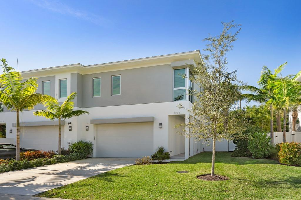 Home for sale in 8th Ave Villas Delray Beach Florida