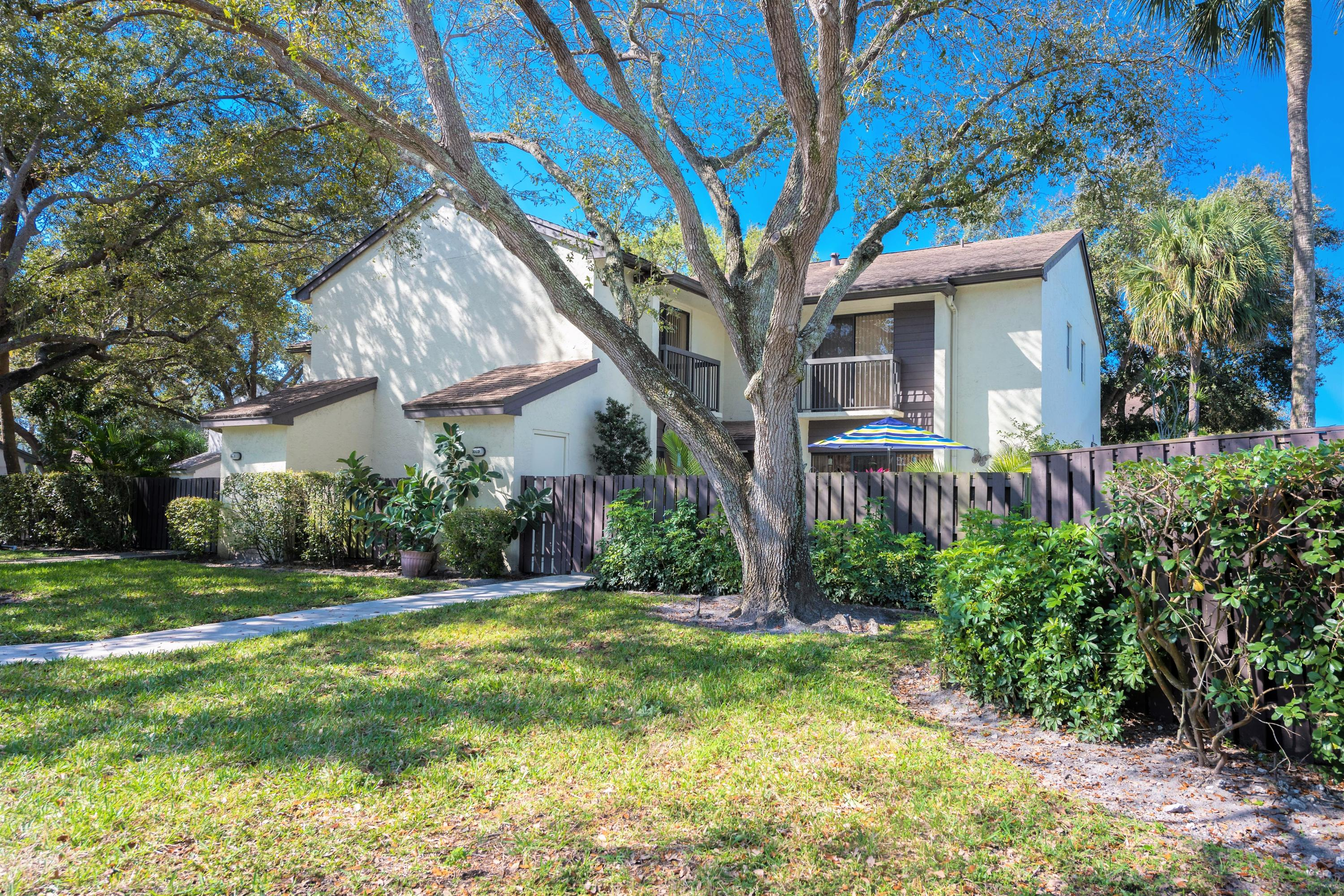 Awesome Real Estate For Sale 3669 Cocoplum Circle Coconut Creek Download Free Architecture Designs Grimeyleaguecom