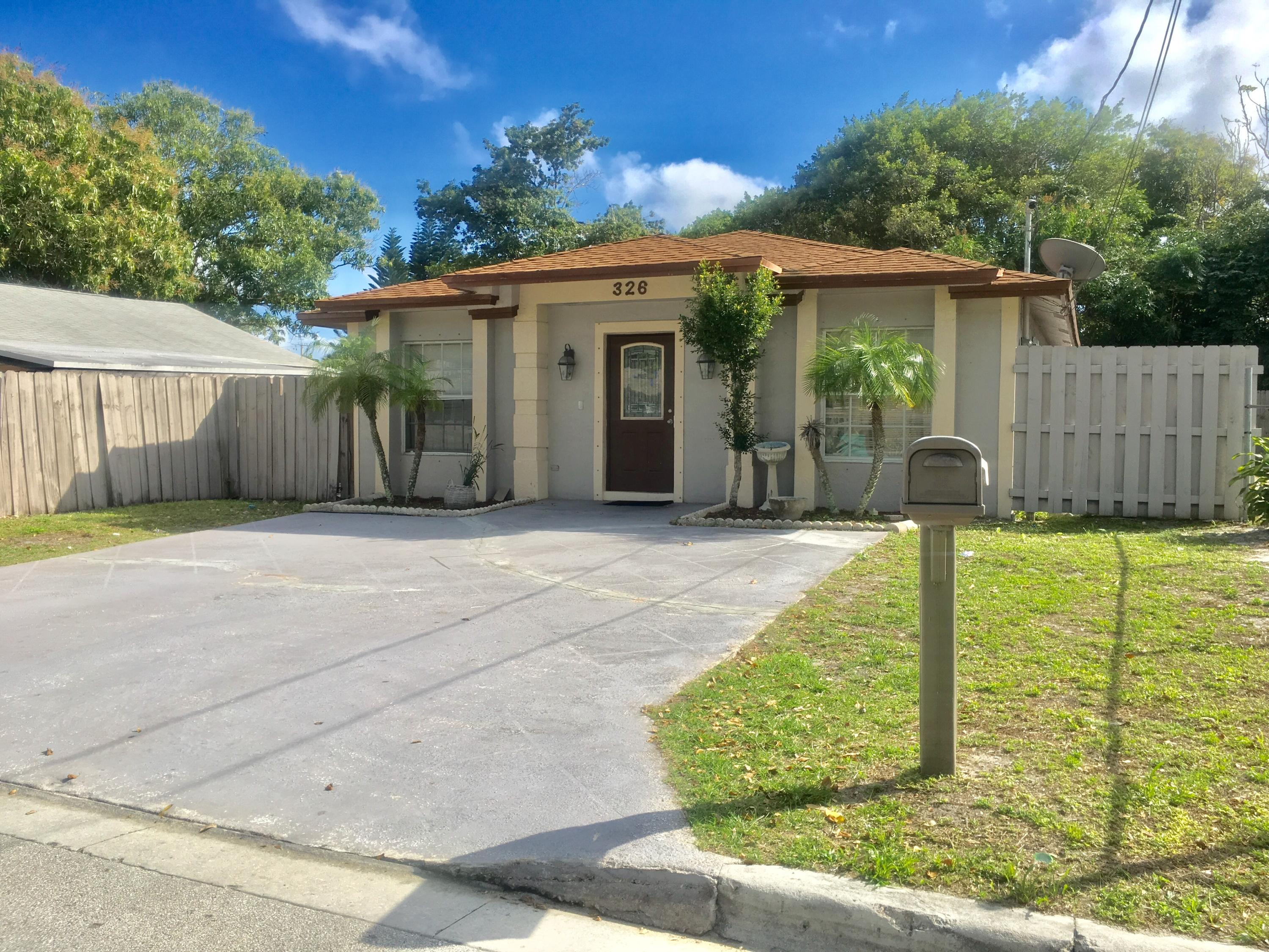 326 NE 12th Avenue Boynton Beach, FL 33435