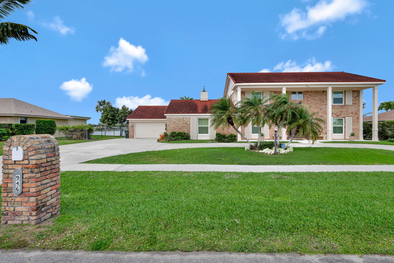 946 S Patrick Circle West Palm Beach, FL 33406