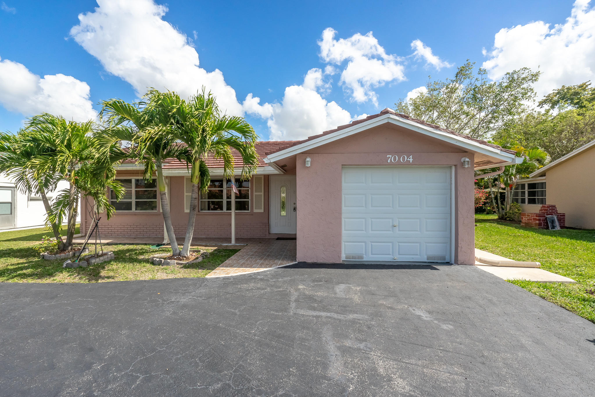 7004 NW 95th Terrace  Tamarac FL 33321
