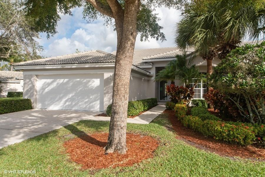 Home for sale in ABERDEEN 17/Brittany Lakes Boynton Beach Florida