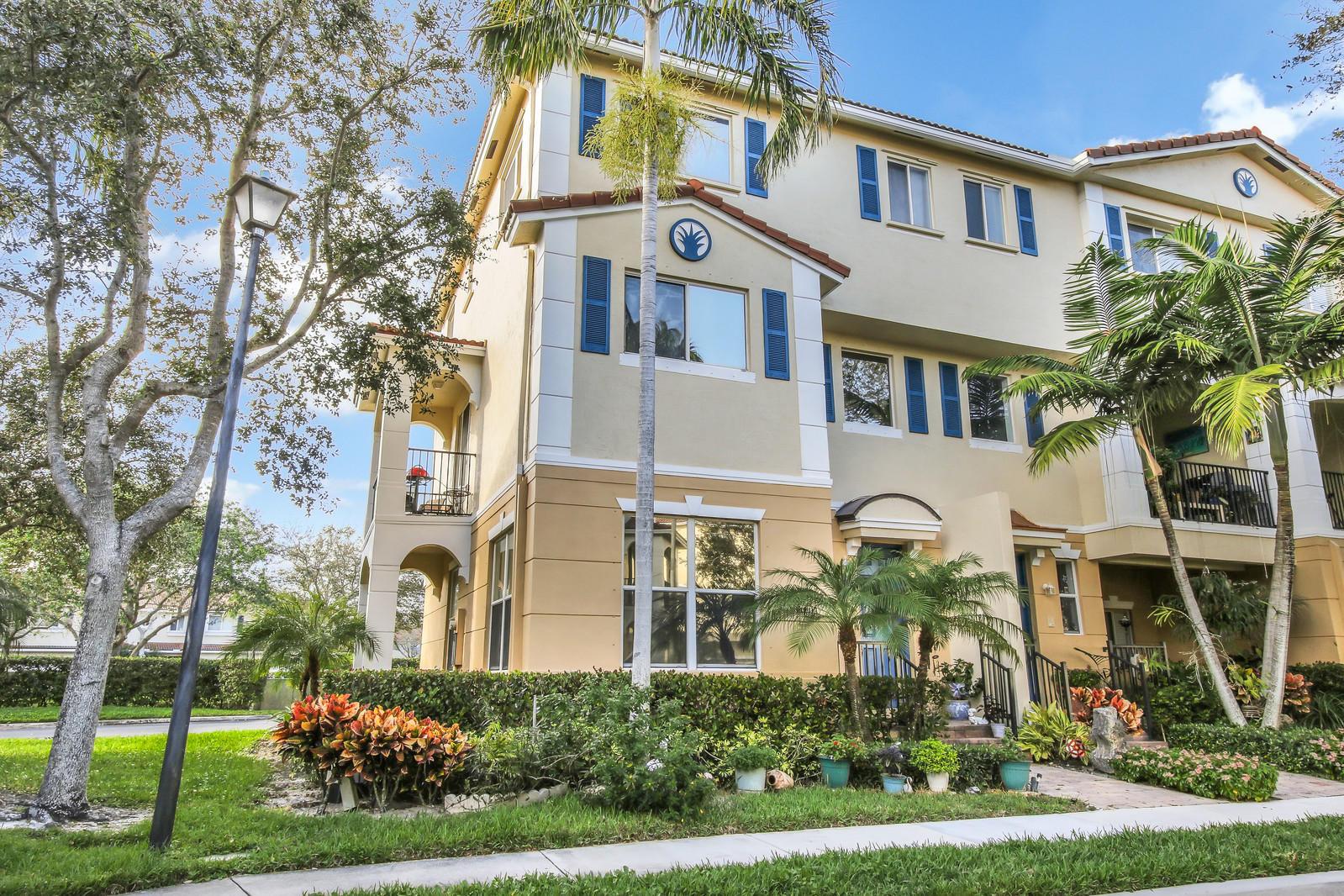 3134 N Oasis Drive Boynton Beach, FL 33426