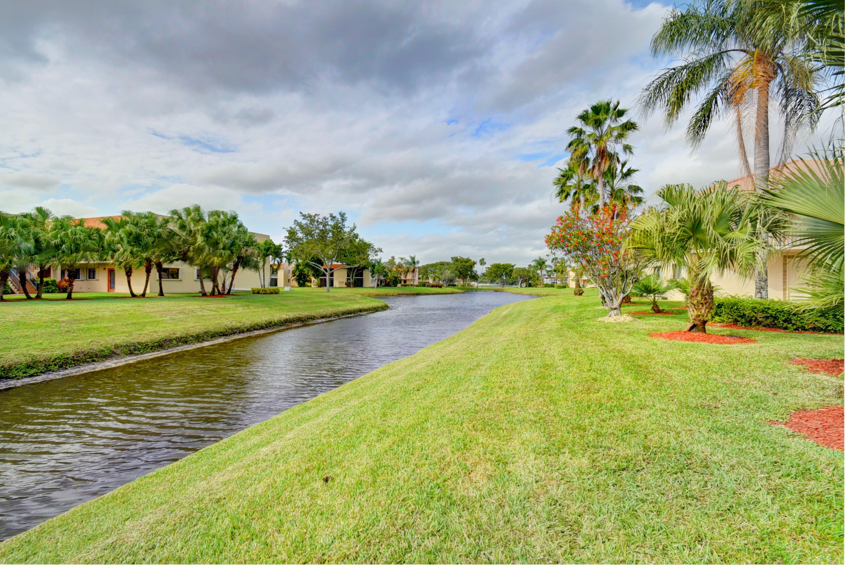 15451 Pembridge Drive 237  Delray Beach, FL 33484