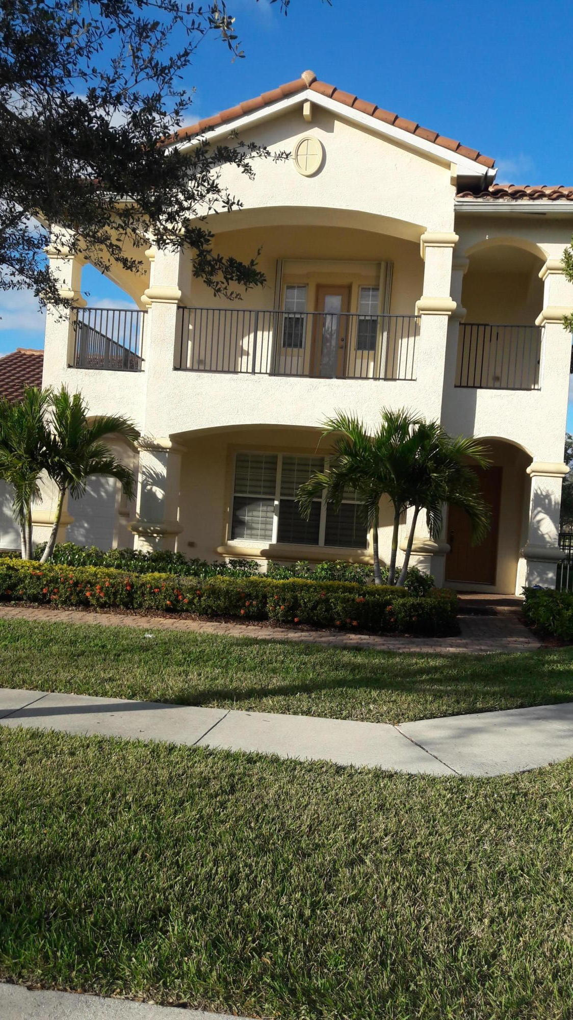 598 Cresta Circle West Palm Beach, FL 33413