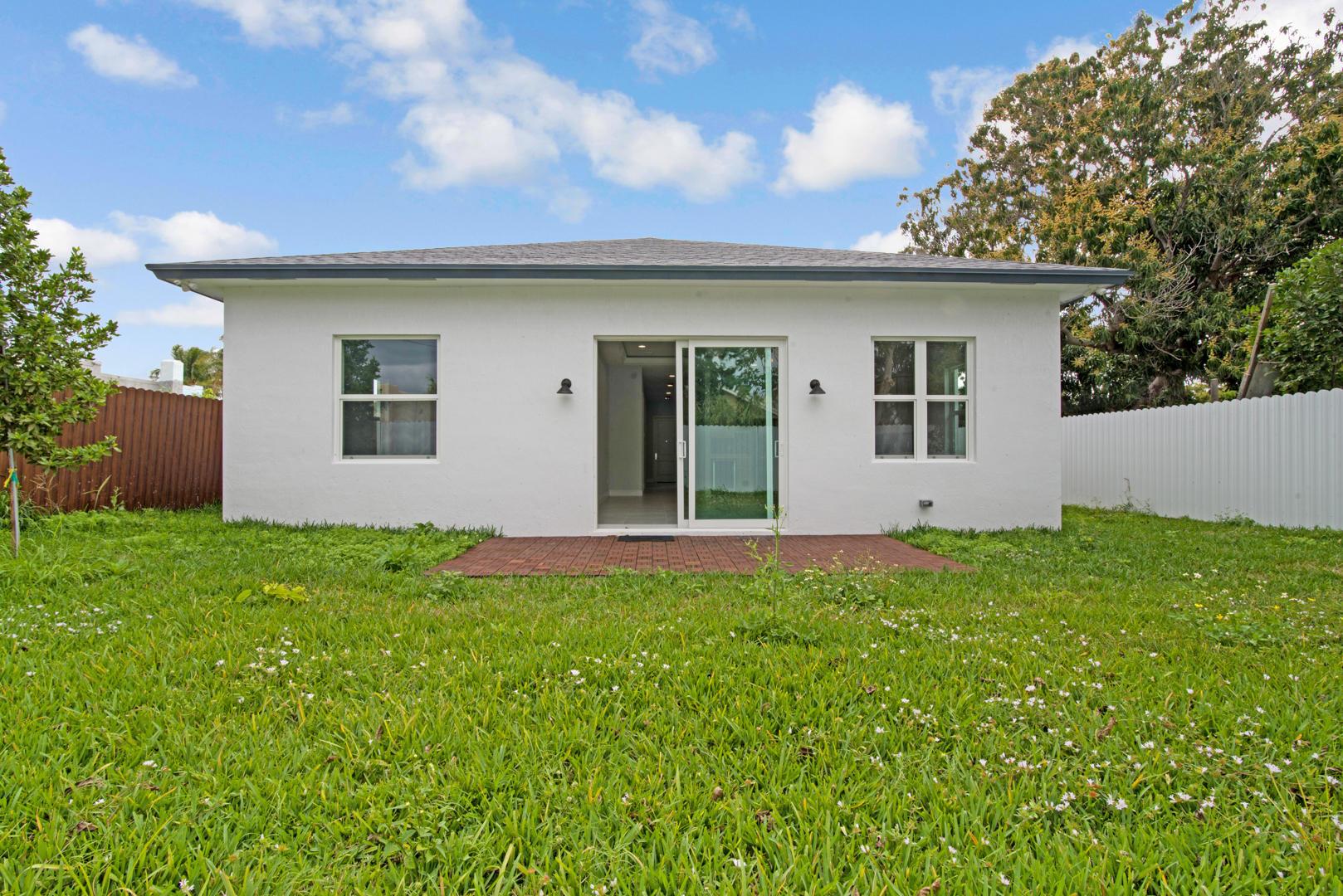 421 Nathan Hale Road West Palm Beach, FL 33405 photo 28