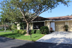 BENT TREE VILLAS EAST CONDO home 9870 Pecan Tree Drive Boynton Beach FL 33436
