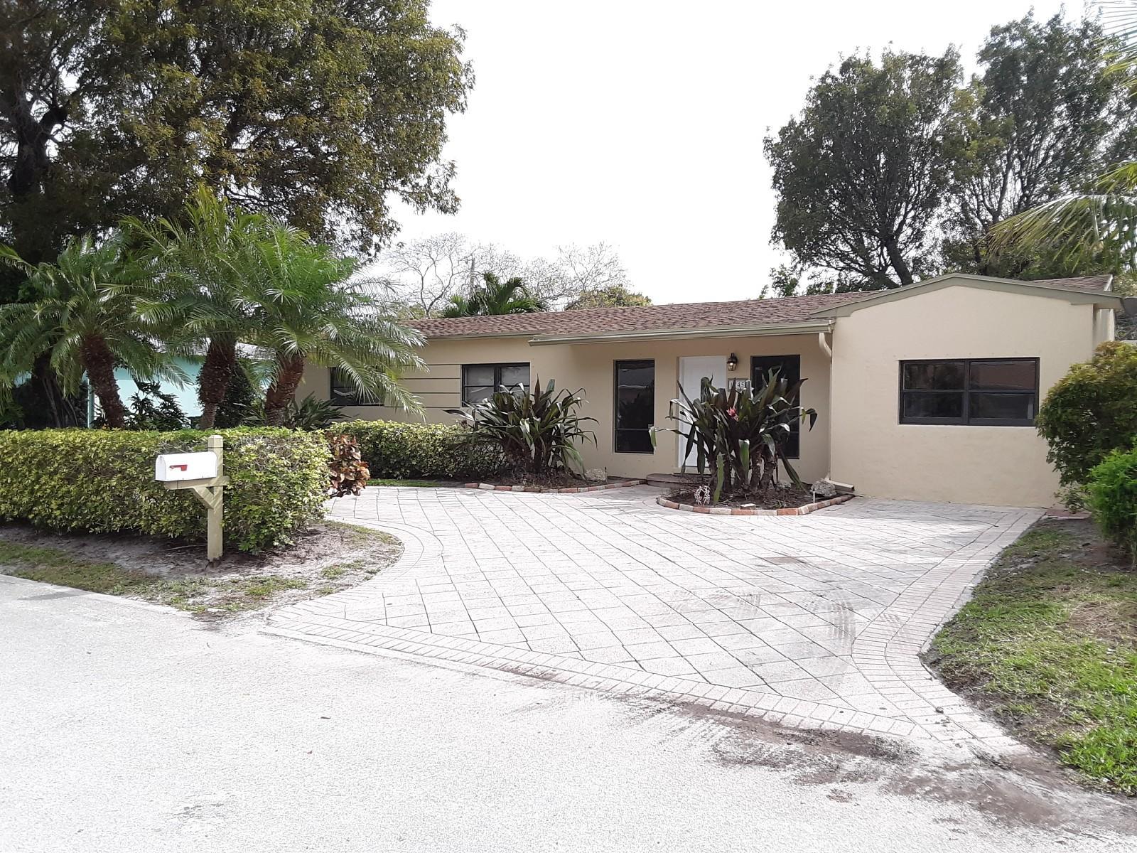 1745 12th Avenue Lake Worth, FL 33460